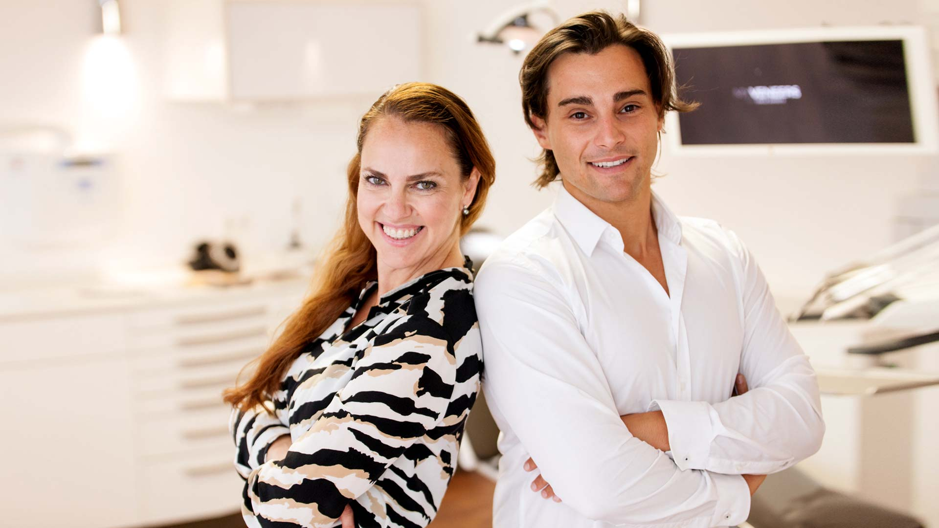 veneers-dr-tuna-baysal-zahnarzt-team-berlin-hamburg-muenchen-koeln-hollywood-smile-design-interview