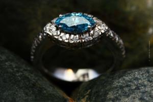 Tiffany & Co - Luxury jewels, Hollywood movies & Wedding rings